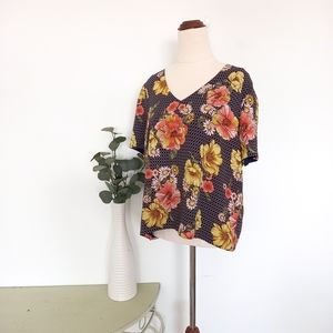 Forever 21 Top Size L (US) Floral Top